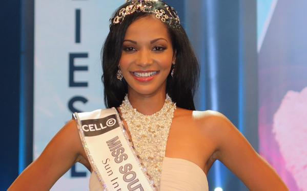 Miss South Africa 2015 Crown and Diamonds Necklace