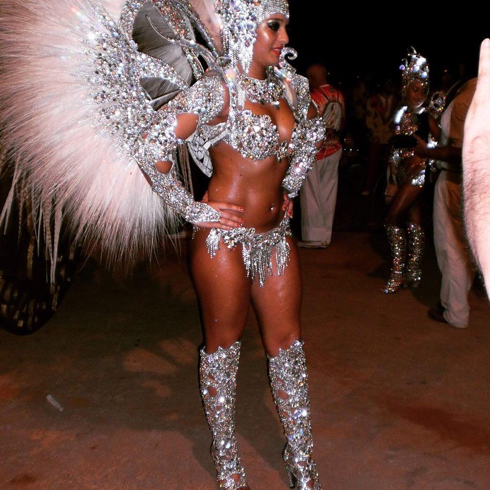 Brazil Samba Girl - Facebook Picture By RioCarnivalTour.com