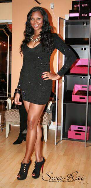 Sexy tall black woman - looking hot in all-black !